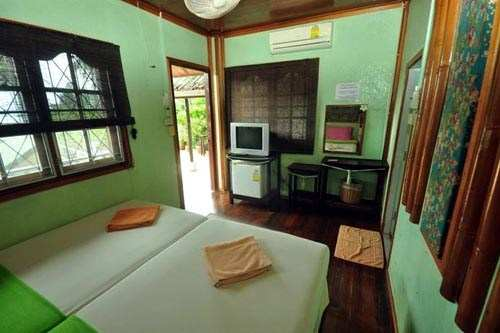 Phi Phi October Guesthouse